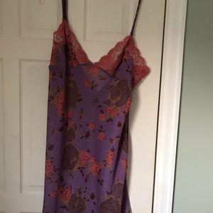 Victoria's Secret short nightgown. Medium NWT